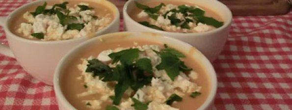 Soep  met pompoen, feta en munt