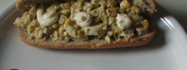 Broodje met Kip-pesto salade
